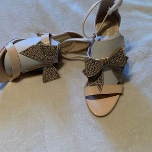 New Venus Heels super cute. SZ 8